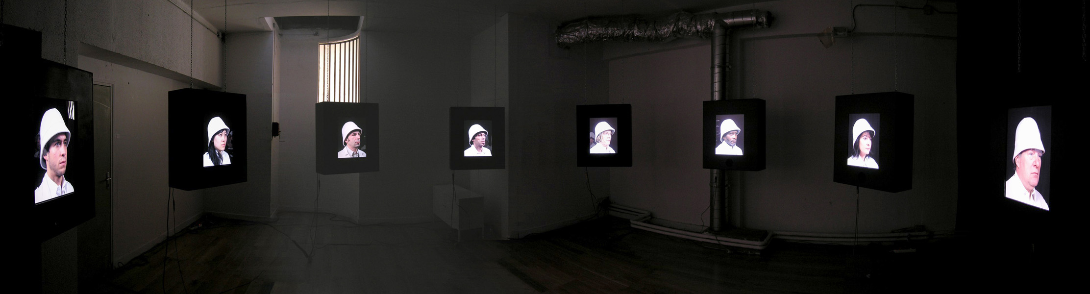 http://www.julienpelletier.fr/files/gimgs/4_alter-mundi-installation.jpg